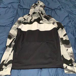 Nike Dri-fit hoodie Medium